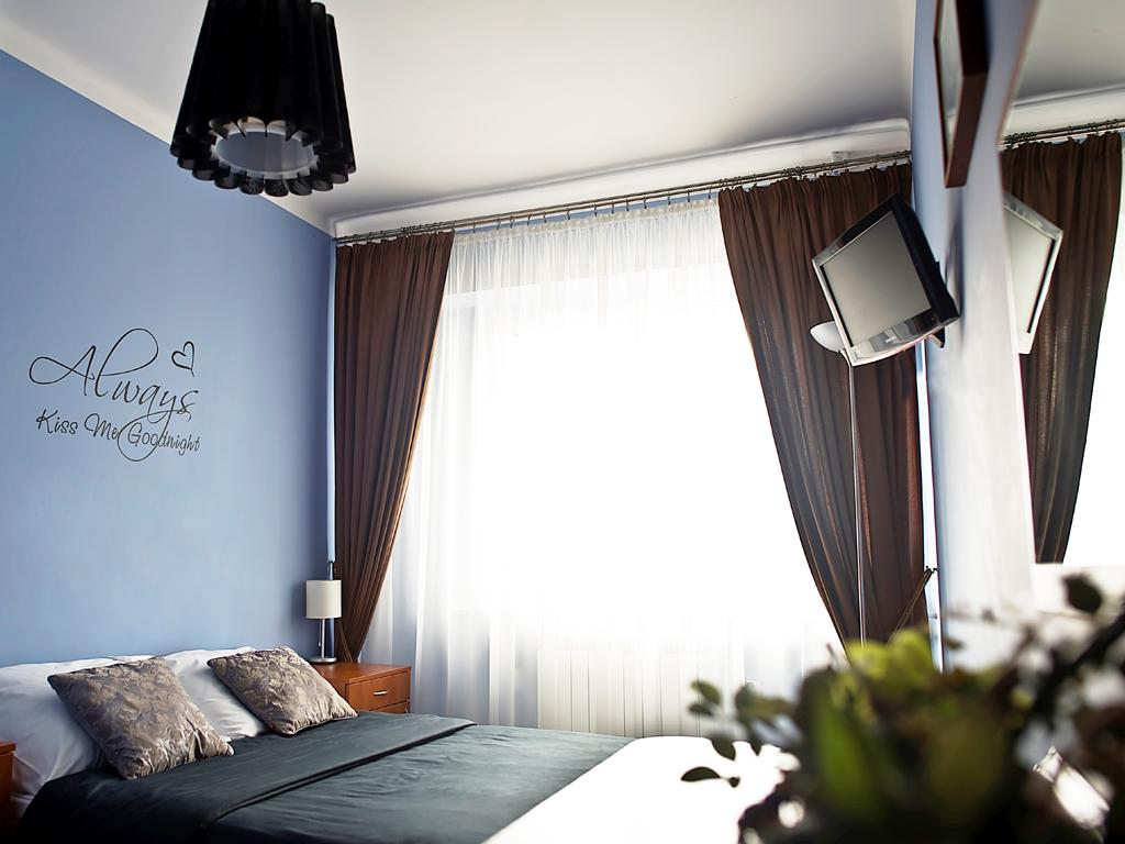 Sala Weselna Korona Łuków ~ noclegi, Łuków  Hotel KORONA  pokoje hotelowe, sala weselna, sala